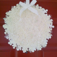 "10-minute Snowflake Ornament ""Wreath"""